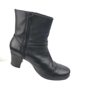 Clarks Black Leather Ankle Boots Women's Size 7 M